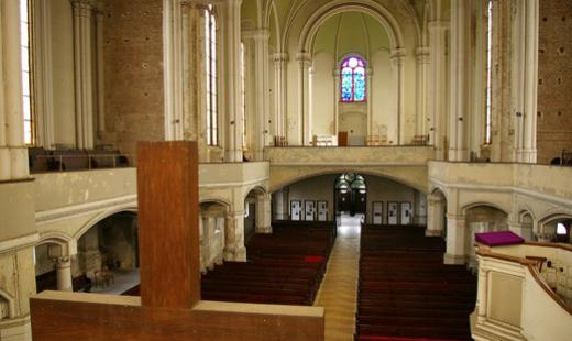 Innenraum Blick zur Orgelempore